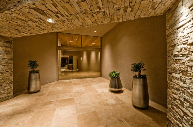 keramične ploščice v hodniku